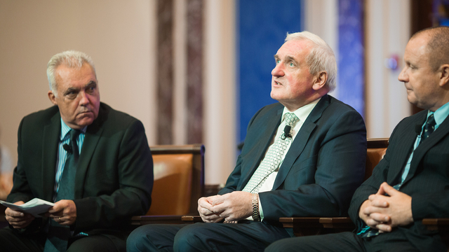 Bertie Ahern, Gary Mason, and Moderator